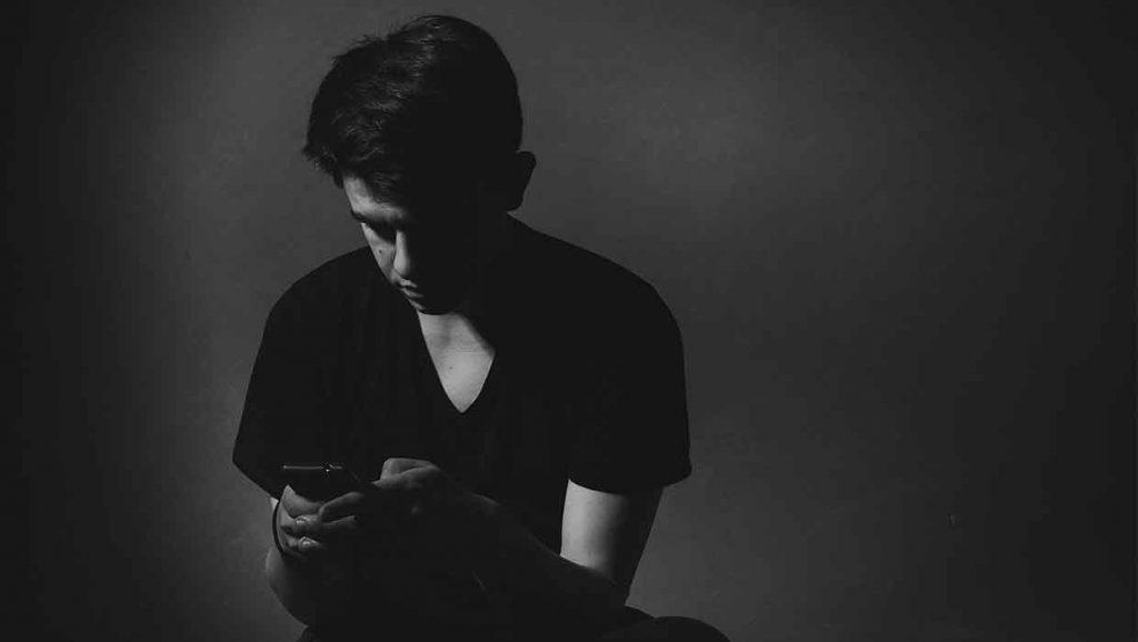 Cyberbullying_Male