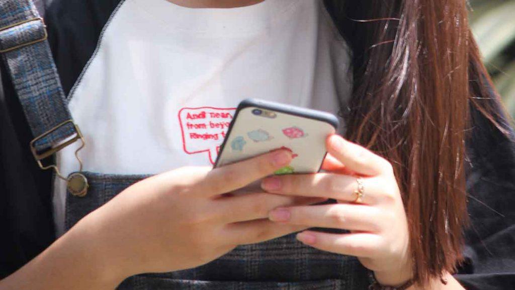 Cyberbullying_Smartphone