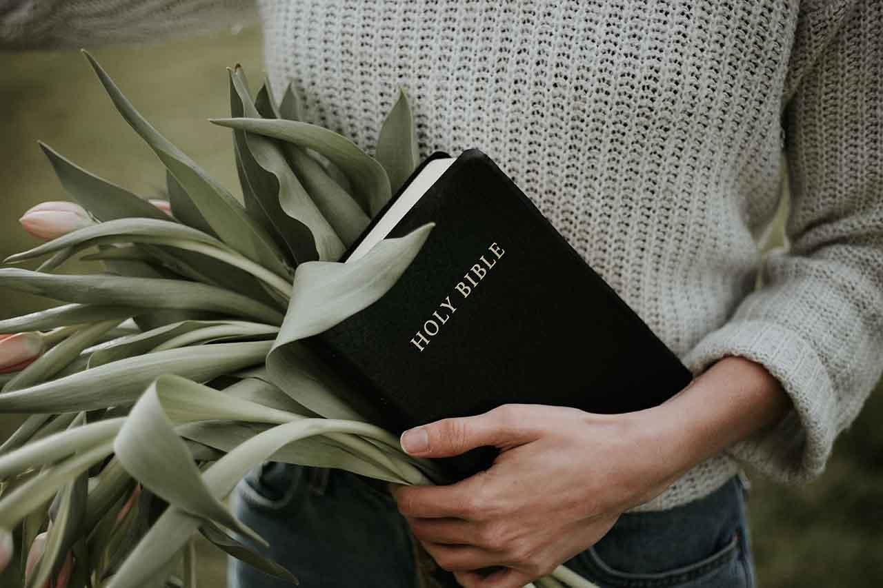 Bible promises of God for women 08